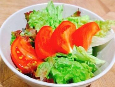 13トマトサラダ